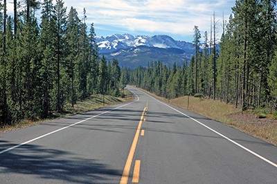 road in the rocky mountains | The Ten Top Motorcycle Routes in Colorado